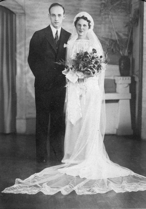 Ford Edward Waring and Dorothy Elizabeth Ogg on their wedding day in 1937.